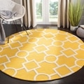 Safavieh Handmade Moroccan Cambridge Gold/ Ivory Wool Geometric-pattern Rug (6' Round)