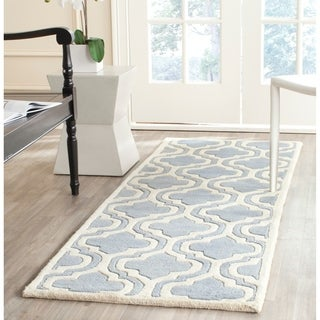 Safavieh Contemporary Handmade Moroccan Chatham Blue/ Ivory Wool Rug (2'3 x 7')