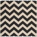Safavieh Indoor/ Outdoor Courtyard Zigzag-pattern Black/ Beige Rug (5'3'' Square)