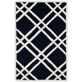Safavieh Handmade Moroccan Cambridge Crisscross Pattern Black/ Ivory Wool Rug (2'6'' x 4')