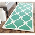 Safavieh Handmade Moroccan Cambridge Teal/ Ivory Wool Rug (2'6 x 8')