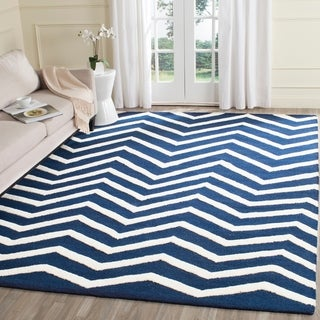 Safavieh Handmade Moroccan Cambridge Canvas-backed Navy/ Ivory Wool Rug (8' x 10')