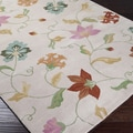 Hand-tufted Beige Floral Traditional Wool Rug (6'7 x 9'10)