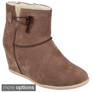 Journee Collection Women's 'Sue' Toggled Hidden Wedge Boots