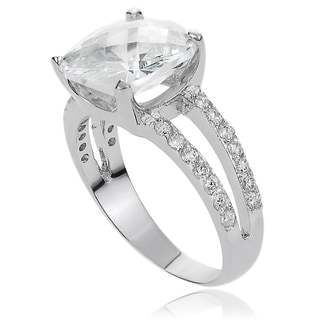 Journee Collection Brass Cushion-cut Cubic Zirconia Bridal-style Ring