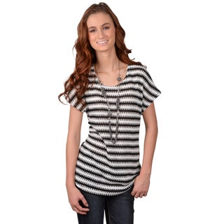 Journee Collection Junior's Striped Short-sleeve Sweater