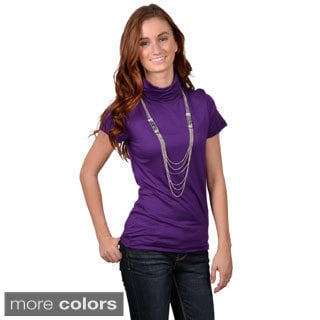 Journee Collection Junior's Short-sleeve Turtleneck Top