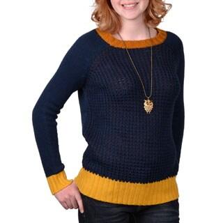 Journee Collection Junior's Tonal Scoop Neck Sweater