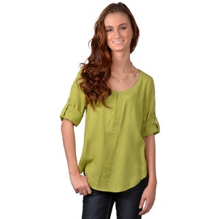 Journee Collection Junior's Pleated Scoop Neck Top