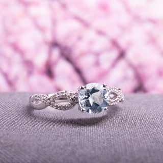 Miadora 10k White Gold Aquamarine and 1/10ct TDW Diamond Ring (G-H, I1-I2)