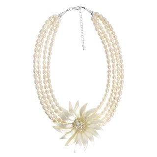 Dancing Petals Wild Flower Natural Shell Pearl Necklace (Thailand)
