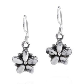Retro Daisy Flower Inlaid MOP .925 Silver Earrings (Thailand)