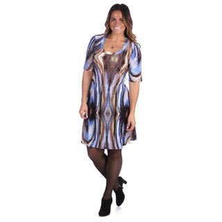 24/7 Comfort Apparel Women's Plus Size Blue/ Brown Abstract Elbow Sleeve Dress