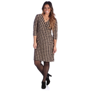 24/7 Comfort Apparel Women's Plus Size Beige Houndstooth Faux Wrap Dress