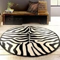 Hand-tufted Animal Print Black/Cream Round 5' Rug