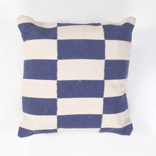 Handmade Blue and Ivory Cotton 18x18-inch Throw Pillow