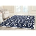 Safavieh Handmade Contemporary Moroccan Chatham Dark Blue/ Ivory Wool Rug (6' x 9')