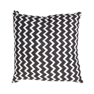 Handmade Black/ White Cotton Chevron 22x22-inch Throw Pillow