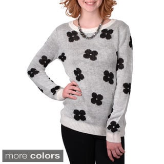 Journee Collection Junior's Two-tone Flower Print Scoop Neck Sweater