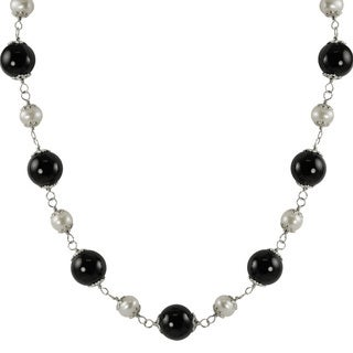 Pearls For You Sterling Silver White Freshwater Pearl and Black Onyx Necklace (6-7 mm)