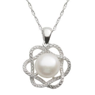 Pearls For You White Freshwater Button Pearl and Diamond Accent Pendant Necklace (9-10 mm)