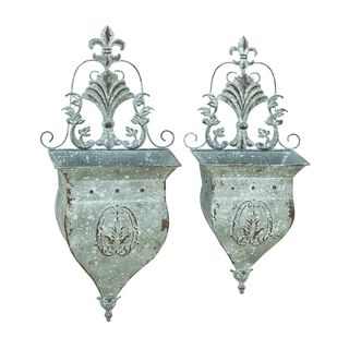 Metal Wall Pocket with Dainty Design and Oxidized Appearance