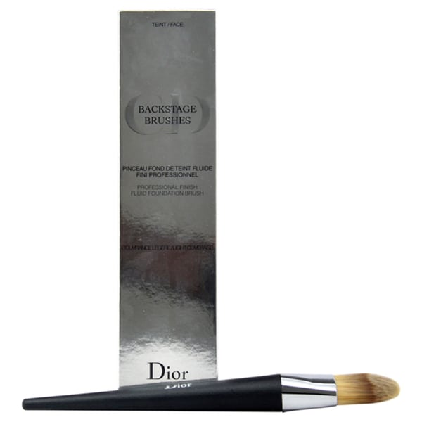 Christian Dior Backstage Foundation Light Coverage Fluid Brush