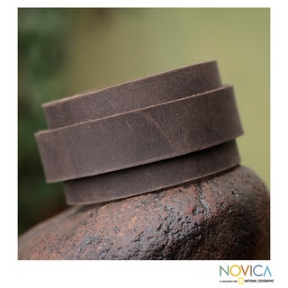 Handcrafted Leather 'Sporty Coffee' Bracelet (Peru)