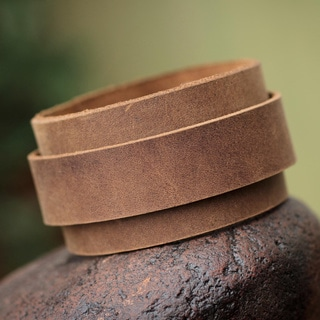 Handcrafted Leather Sporty Tan' Bracelet (Peru)