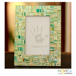 Handcrafted Glass Mosaic 'Summer Memories' Photo Frame (India)