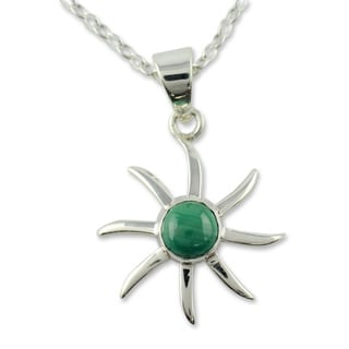 Handcrafted Sterling Silver 'Verdant Sun' Malachite Necklace (India)