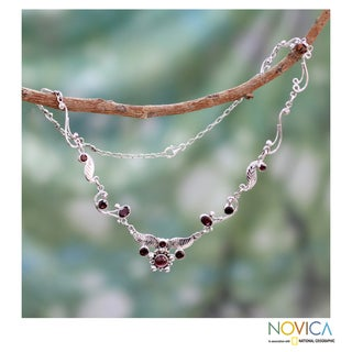 Sterling Silver 'Crimson Forest' Garnet Necklace (India)