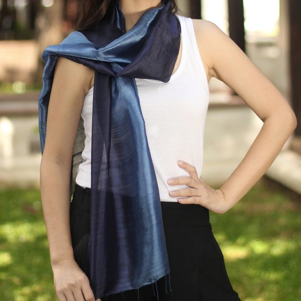 Handcrafted Silk 'Bluebell Duality' Scarf (Thailand)