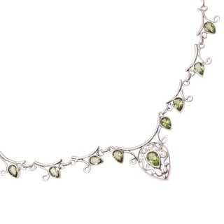 Sterling Silver 'Ivy Elegance' Peridot Necklace (India)