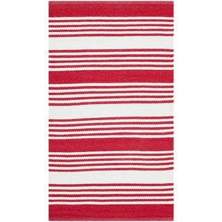Safavieh Indoor/ Outdoor Thom Filicia Red Plastic Rug (2'6 x 4')