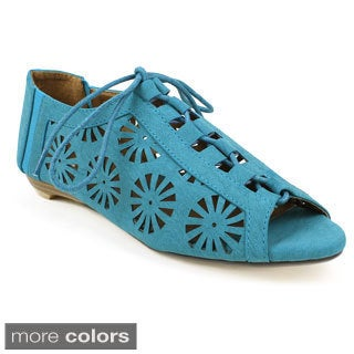 Fahrenheit Women's 'Naomi-01' Laser-cut Mary Jane Flats