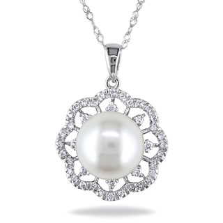 Miadora 14k White Gold Pearl and 1/6ct TDW Diamond Necklace (G-H, I1-I2) (9.5-10 mm)