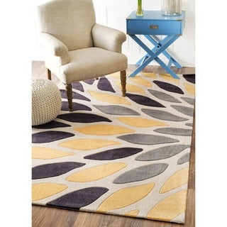 nuLOOM Hand-tufted Modern Leaves Polyester Yellow Rug (7'6 x 9'6)