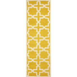 nuLOOM Handmade Marrakesh Trellis Yellow Wool Runner Rug (2'6 x 8')
