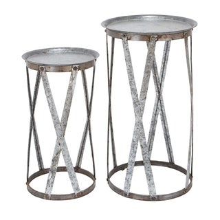 Conventional Decor 2-piece Metal Pedestal