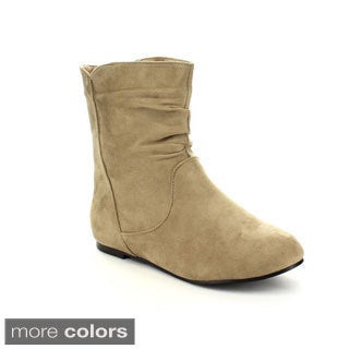 Radiant Women's 'Tasteful' Pull-on Ankle Boots
