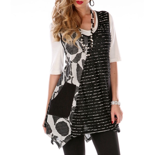 Women's Plus Size Black and White Multi-print Spliced Top