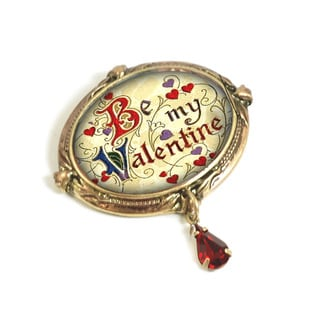 Sweet Romance Vintage Be My Valentine Quote Pin