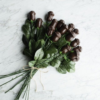 Lang's Chocolates Long Stem Dark Chocolate Roses (Set of 16)