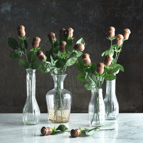 Lang's Chocolates Long Stem Milk Chocolate Roses (Set of 16)