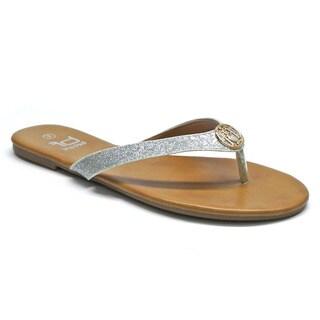 Betani Women's 'Dora-10' Silver Glittery Medallion Flip-flops