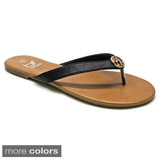 Betani Women's 'Dora-12' Medallion Flip-flops