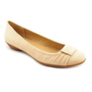 Naturalizer Women's 'Hollie' Basic Textile Casual Shoes