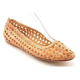 Giraffe Walk Women's 'Chennai' Leather Casual Shoes