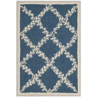 Safavieh Hand-hooked Chelsea Navy/ Cream Wool Rug (1'8 x 2'6)